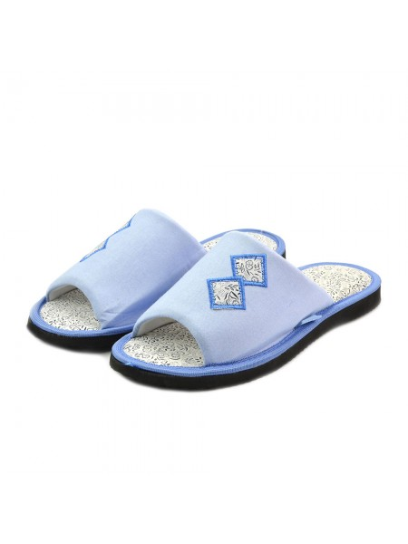 Завітавши в інтернет магазині взуття тм «FX Shoes» можна купити Тапочки кімнатні жіночі FX shoes 11044 blue за доступною ціною. Посетив интернет магазине обуви тм «FX Shoes» можно купить тапочки комнатные женские FX shoes 11044 blue недорого