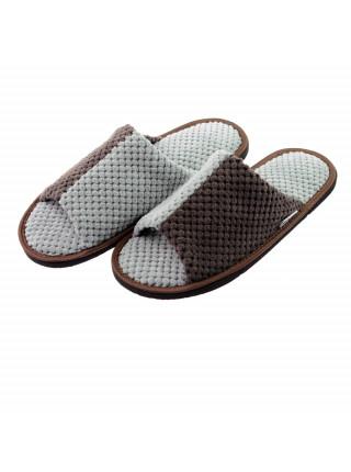 Купити взуття домашнє - тапочки кімнатні в українського виробника по ціні виробника. Купити тапочки жіночі або тапки чоловічі. Купить обувь домашнюю- комнатные тапочки украинского производителя FX shoes по оптовой цене в розницу.